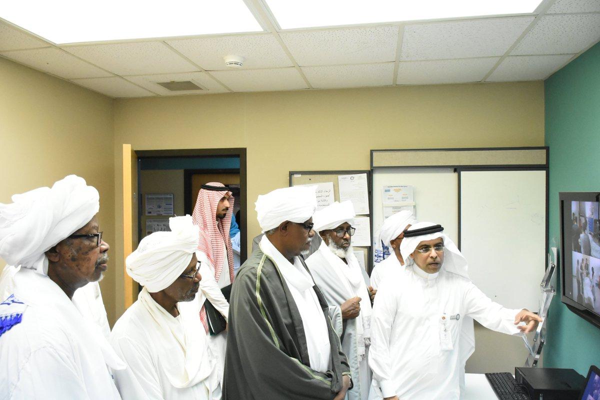 زيارة مدير جامعة ام درمان للمركز لبحث سبل التعاون و اقامة برامج تدريبية باستخدام المحاكاة عالية الدقة
