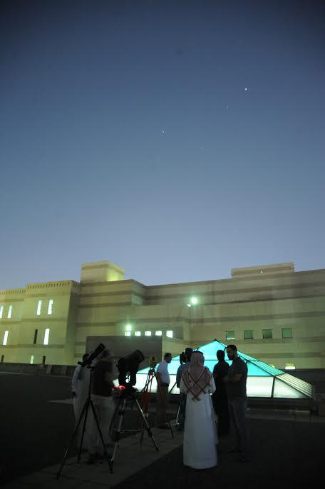 قسم العلوم الفلكية يرصد إقتراب المريخ وتقابل زحل